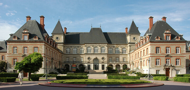 1280px-France_Paris_Cite_Universitaire_Maison_internationale