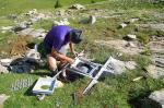 Montage du berceau des instruments, préfabriqué en plaine et acheminé depuis l'année dernière pour certains.
