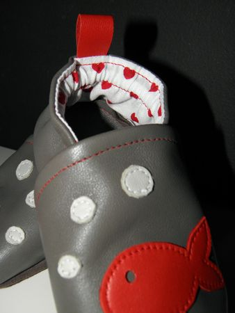 chaussons poisson coeur rouge 004