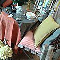 lin lavé,hortensia,sac vieille bâche et cuir,galette de chaise