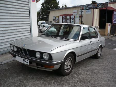 BMW 525i Le Tampon (1)