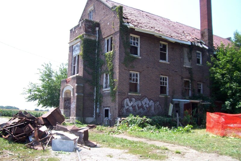 Ashmore_Estates_Exterior_Circa_August_2006