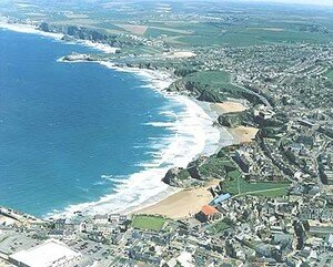newquay_from_air_400px