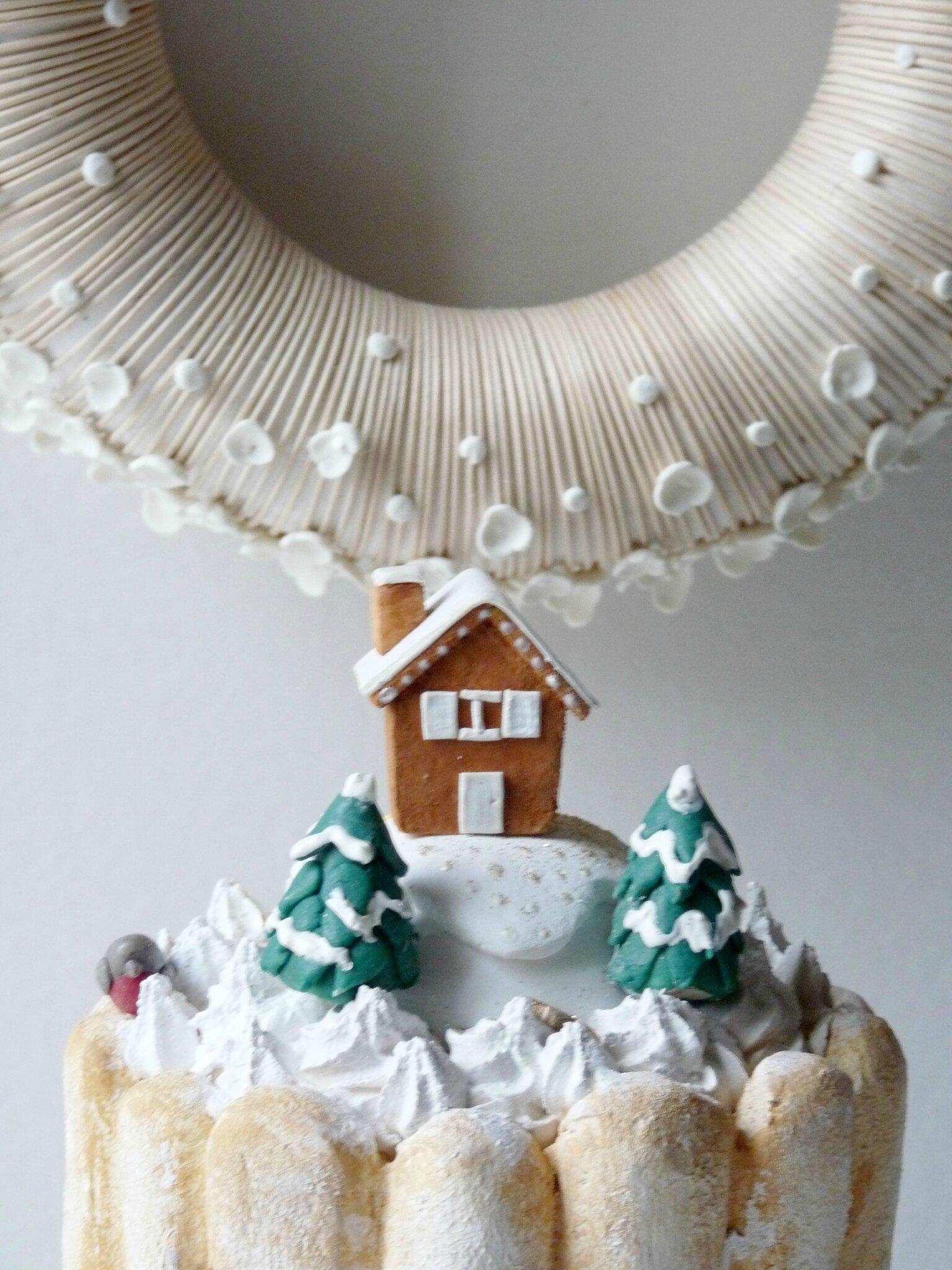 Charlotte maison sous la neige, détail