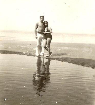 1933 04 25 Phil & Denise le 15