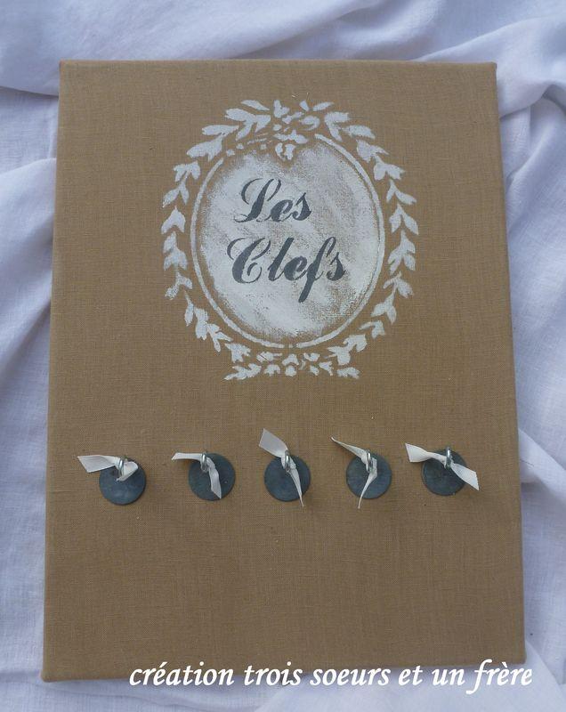 porte-clefs médaillon feuilles