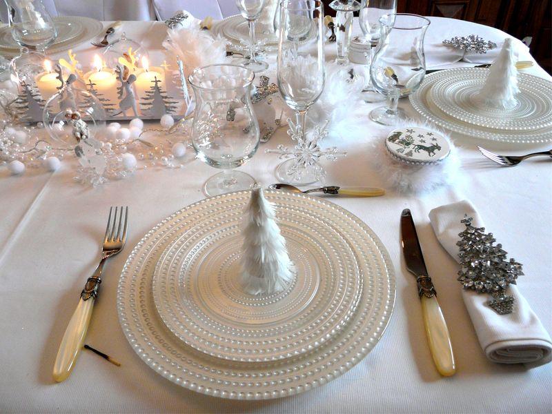 Decoration De Noel Pour Table Blanc Et Gris