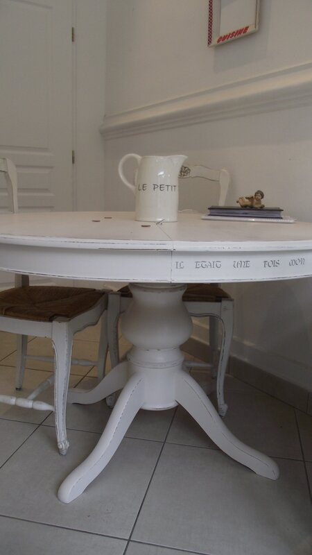 Table Ronde Pied Central Style Shabby Chic Avec Rallonges
