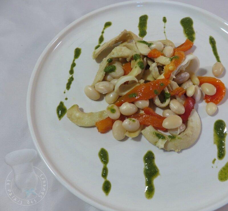 Tagliatelles de seiche, haricots blancs et poivron grillé