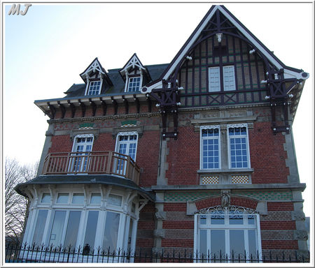 Maison_bord_de_la_promenade_1