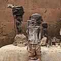 Effigies de l'entre-deux ». les objets du système vodun maitre marabout voyant papa okala du monde.