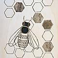 Pyrogravure : une abeille