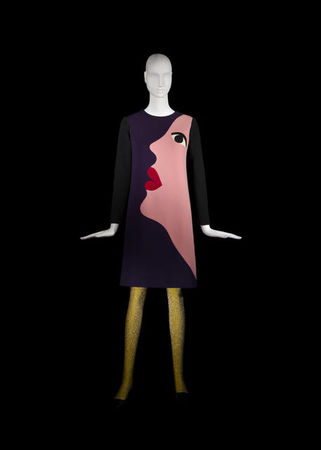 Yves_Saint_Laurent__Short_cocktail_dress_tribute_to_Tom_Wesselmann