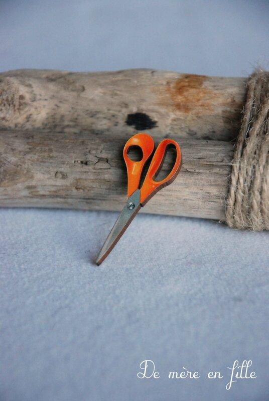 ciseaux tissu orange