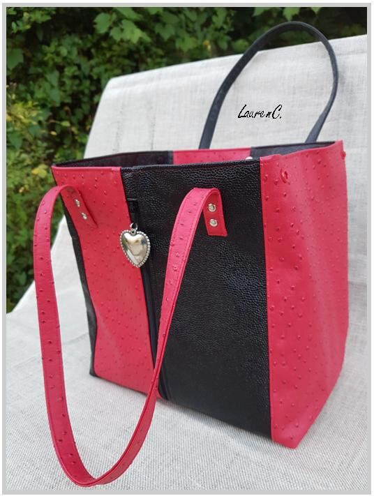 SAC SIMILI ROUGE NOIR ZIP VERTICAL COTE ROUGE