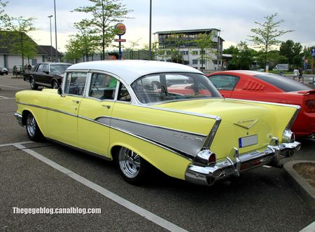 Chevrolet bel-air 4doors (Rencard Burger King mai 2012) 02