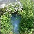 Petite porte cachée
