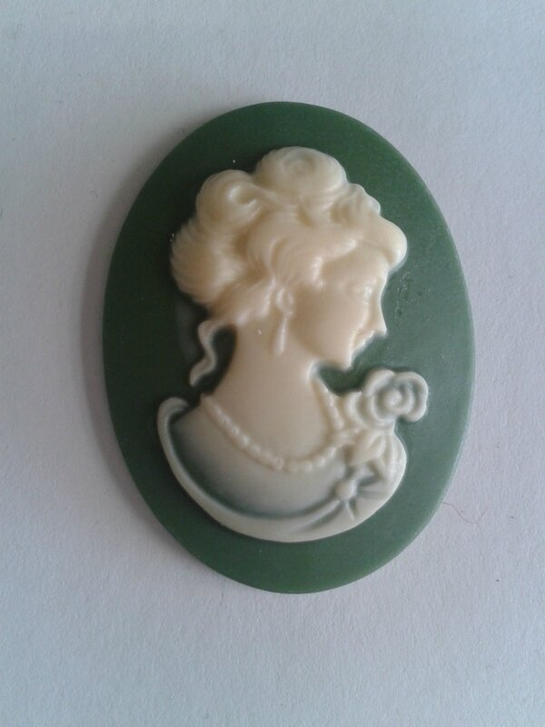 cabochons-1-camee-resine-profil-de-femme-ve-7861938-3-jpg-cf974-c83ce_big