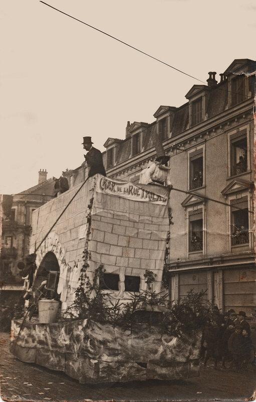 1922 03 26 Belfort CPhoto Mi carême Char rue Thiers BF