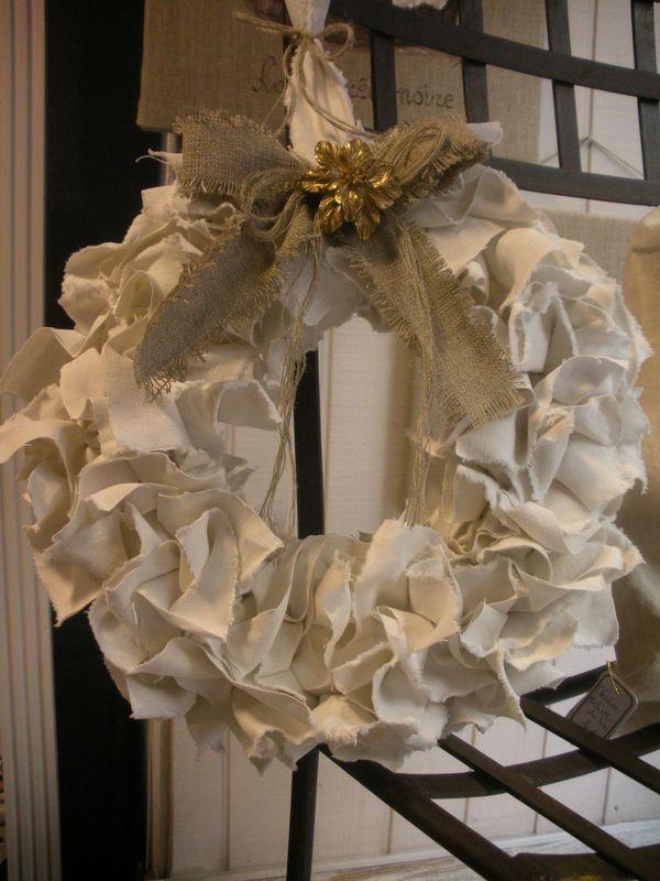 couronne en drap de lin ancien noeud en lin fleur de lin cr ation. Black Bedroom Furniture Sets. Home Design Ideas