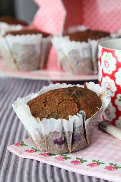 muffins au lait fermente et aux myrtilles LE MIAM MIAM BLOG accompagne d un the copie