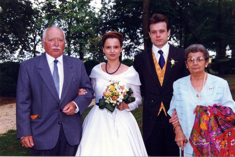 1996, Anne-Christine se marie