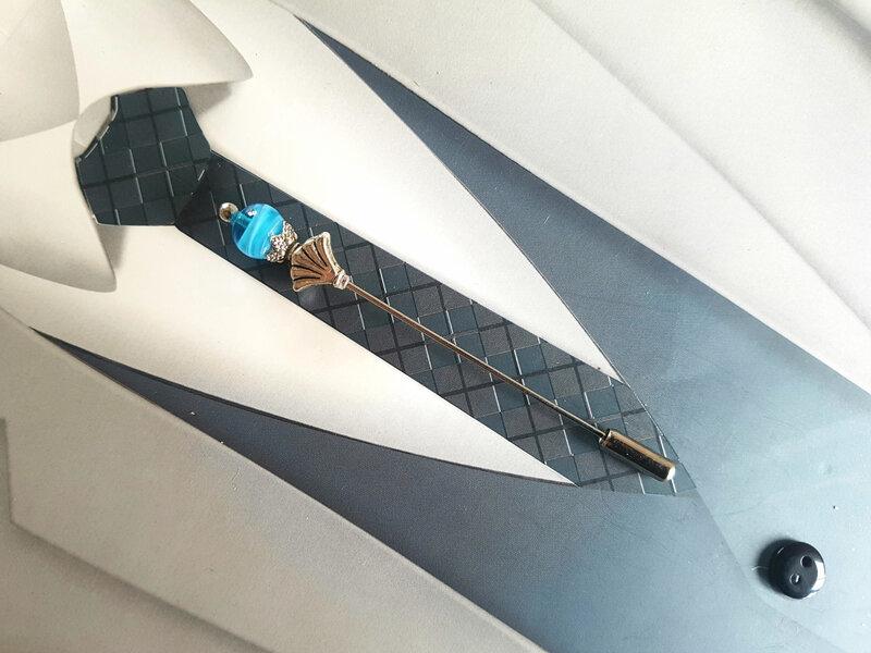 Epingle à cravate turquoise dégradé et argent