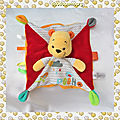 Doudou Peluche Plat Carré Winnie Pooh Rouge Orange Jaune Nuage Oiseau Disney Baby