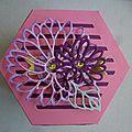 Boite hexagonale fleurie