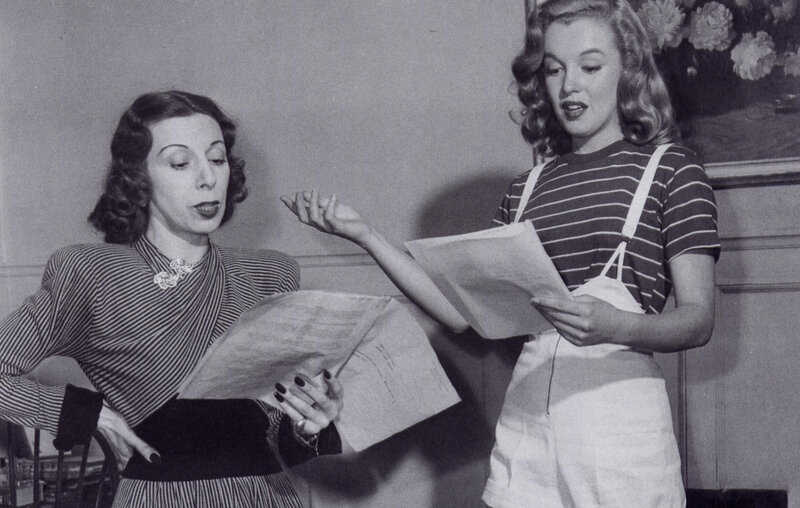 1947-marilyn_with_Helena_Sorell-by_dave_cicero-040-1c