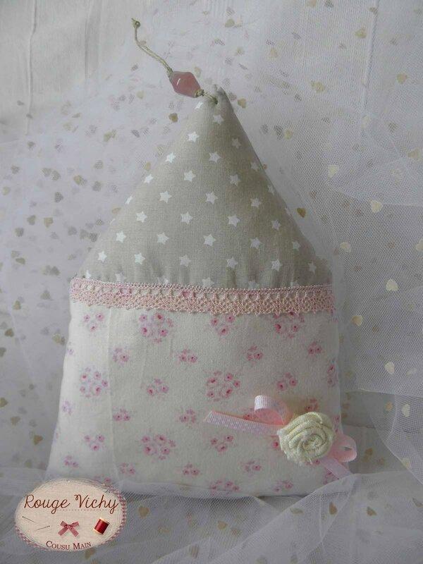 Maison Tilda avec rose tissu