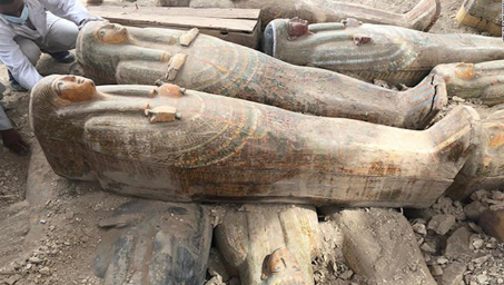 Exhumation de sarcophages 2