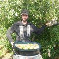 stef, pick apples (1)