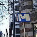 l'art dans le métro - logo du metropolitain bruxellois