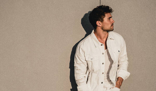 Olivier Dion revient avec « Exposed »