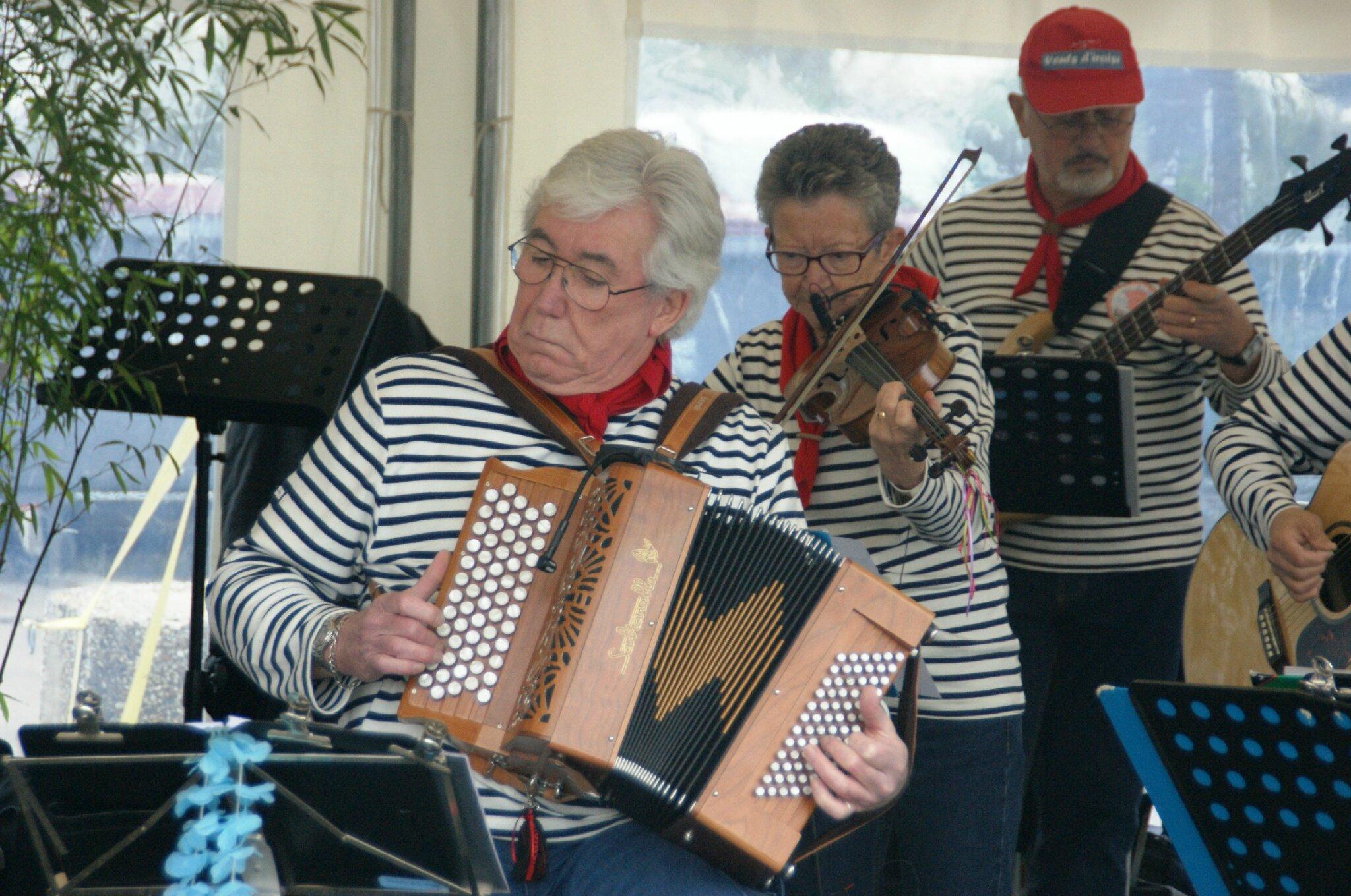 L'orchestre du groupe Vents d'Iroise
