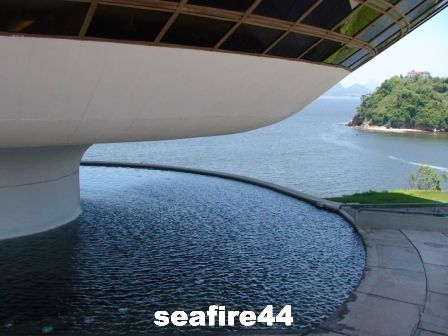 niteroi_mus_e_art_contemporain_296_01