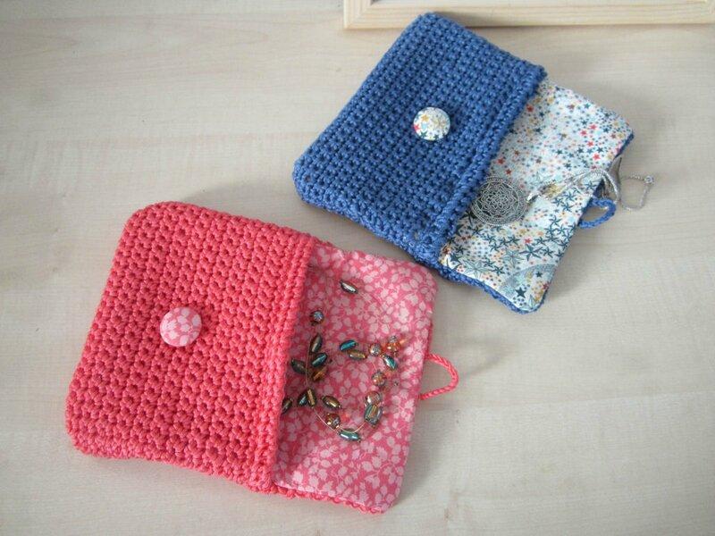 pochette-crochet-coton-mailles-serrees