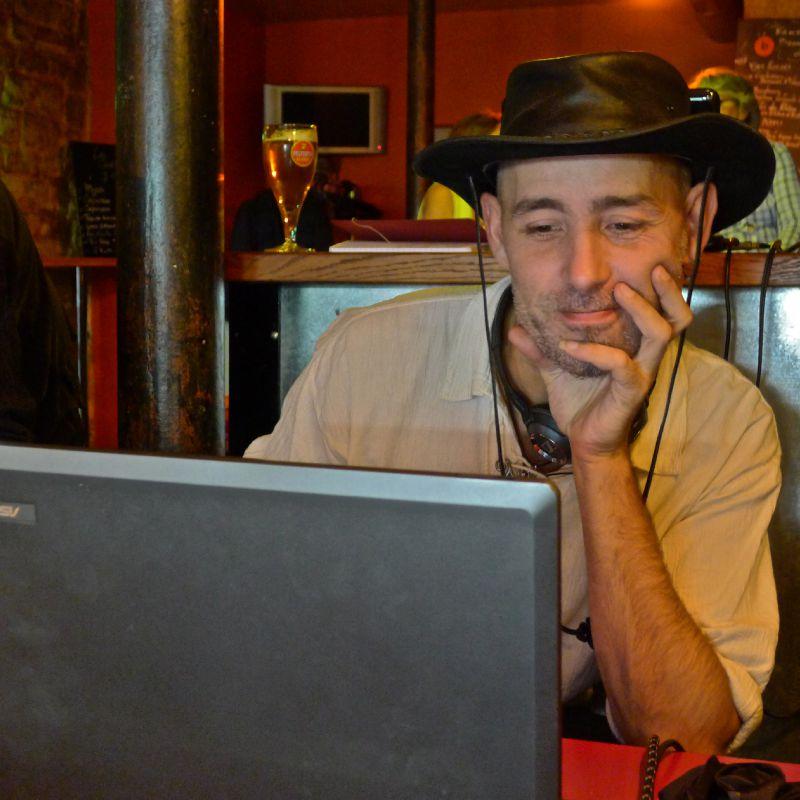 DJ G. Fred agitateur des nuits parisiennes.