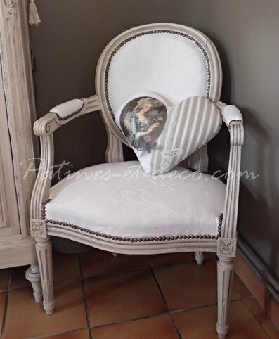 fauteuil cabriolet médaillon louis xvi apres