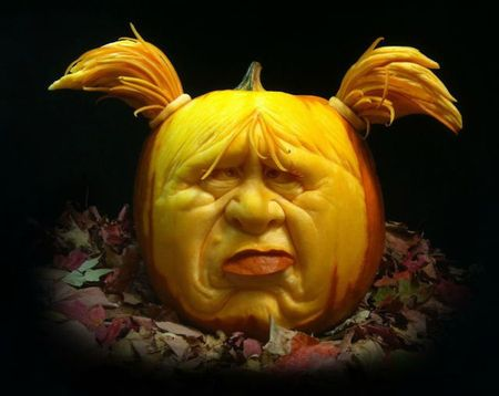 the_most_outrageous_pumpkin_carvings_ever_640_18