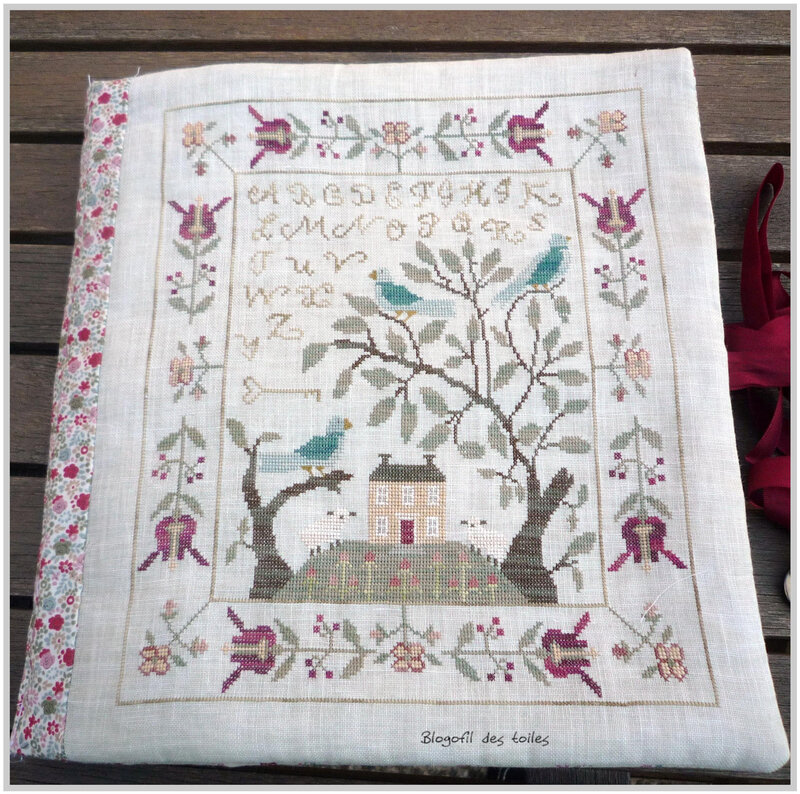 BIRDS_OF_A_FEATHER_TROUSSE_BRODEUSE