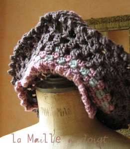 step_by_step_beret_crochet_rose