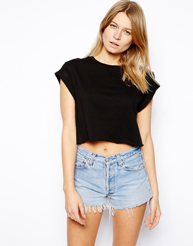 Cropped_Boyfriend_T_Shirt_with_Roll_Sleeve