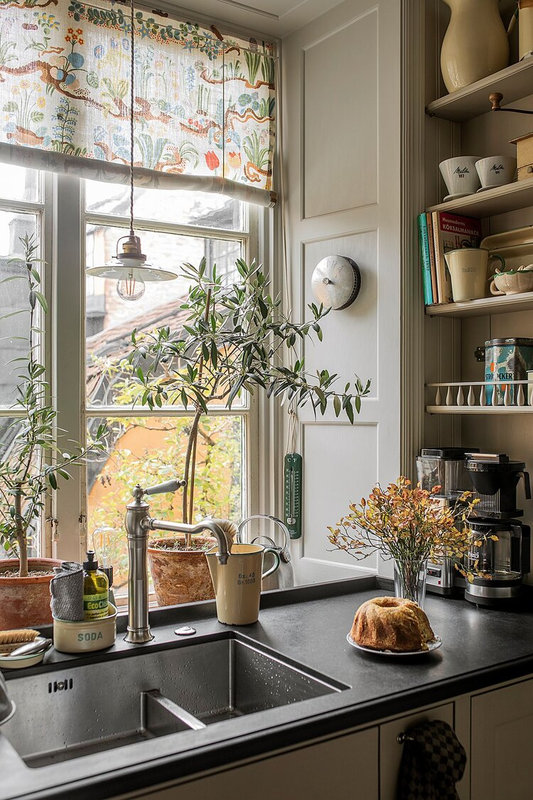 A+Stockholm+Apartment+Packed+With+History+And+Charm+-+The+Nordroom