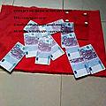 Le porte monnaie rouge du maître marabout fassi d'afrique