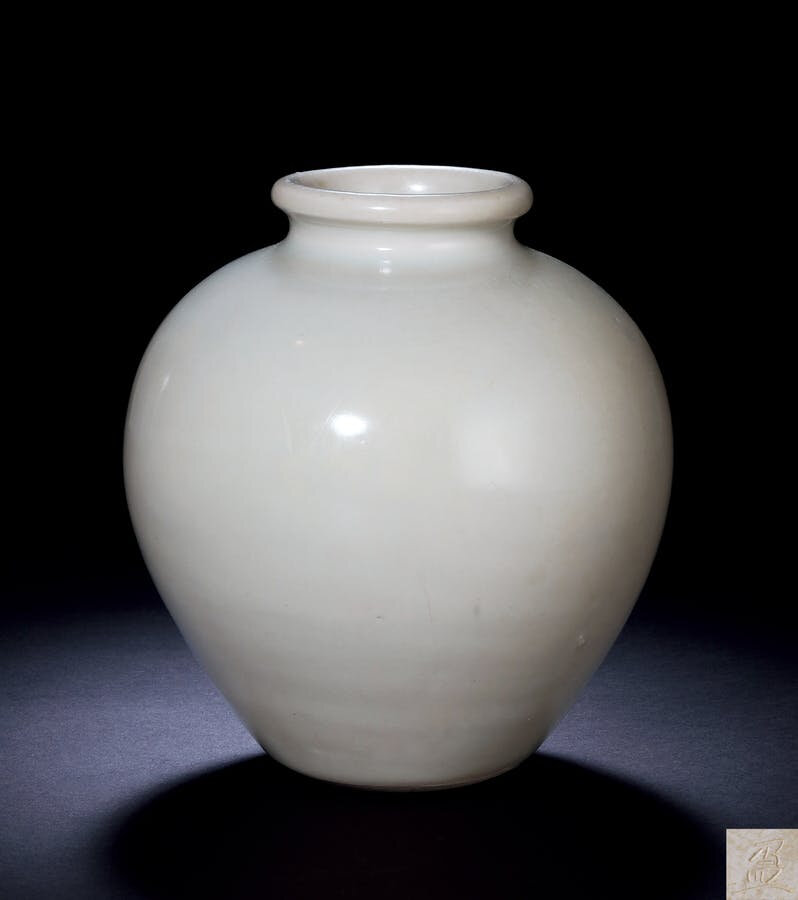 A 'Xingyao' 'Ying' White-Glazed Jar, Tang Dynasty, 7th-10th Century
