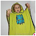 IMGG_9086-poncho-sortie-cape-bain-owly-mary-du-pole-nord-vert-anis-hibou-jean-chouette-fait-main-broderie-cadre