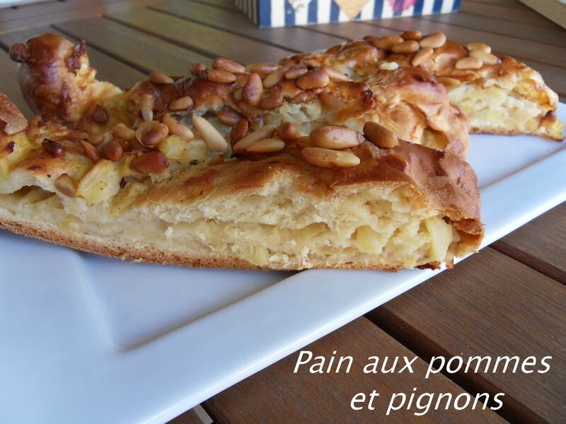 Pain aux pommes et pignons2
