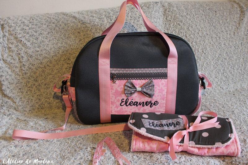 sac a langer personnalisé avec noeud devant pour fille rose et gris